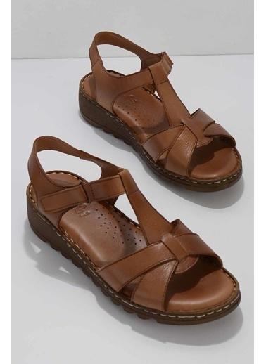 Bambi Spor Sandalet Taba